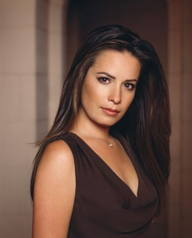 File:Charmed - Holly Marie Combs.jpg