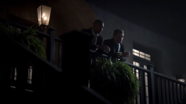 File:Klaus and Marcel 5 TO 1x03.jpg