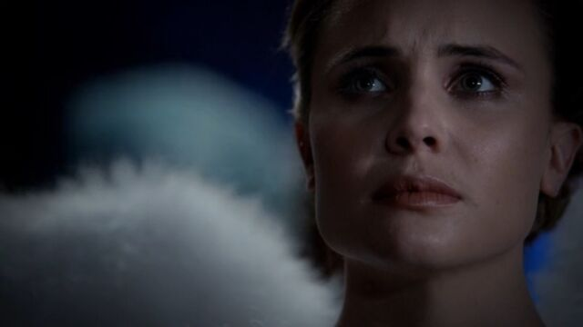 File:Camille 12 TO 1x03.jpg