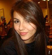 Victoria-justice-pretty-brown-eyes-hair
