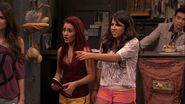 Victorious-2x06-Locked-Up-ariana-grande-24241392-1280-720