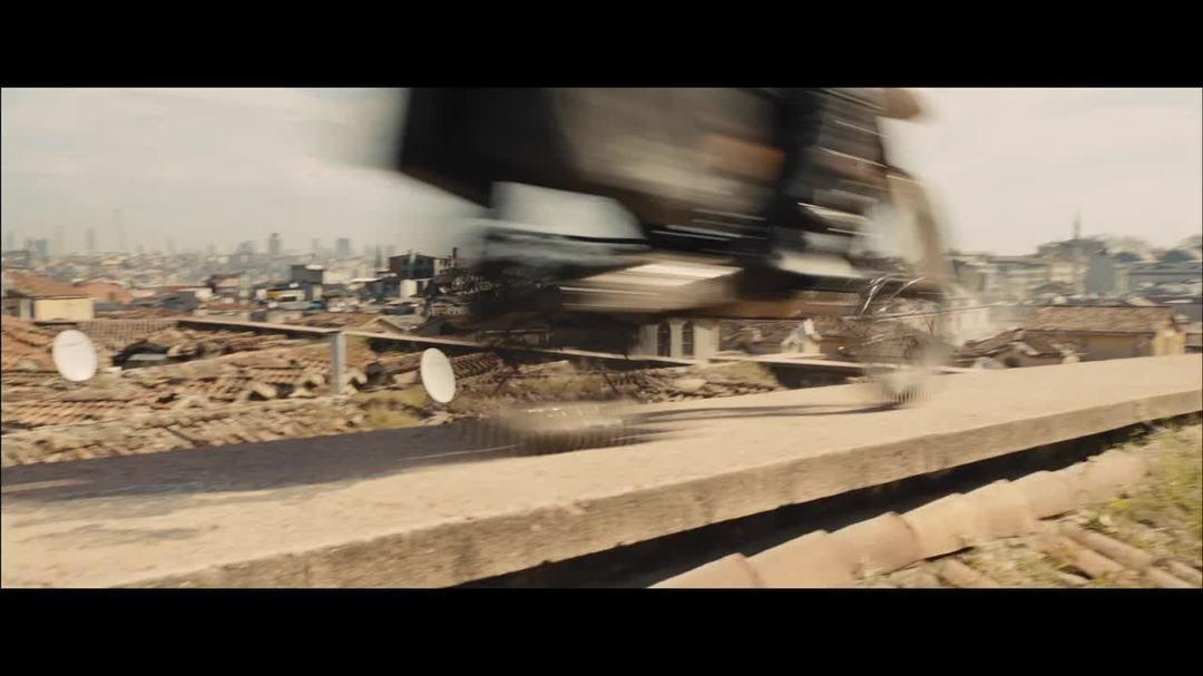 Skyfall Clip - Grand Bazaar Motorbike Chase