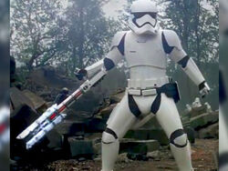 Meet-tr-8r-the-internets-favorite-new-stormtrooper-31-photos-32