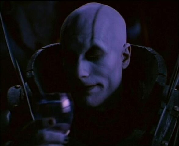 File:Quan Chi with a Wine Glass.jpg