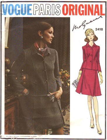 File:Vogue2418.jpg
