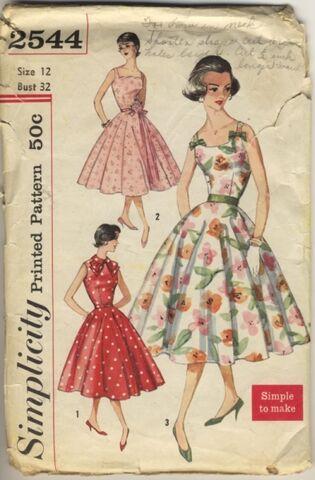 File:Vintage-simplicity2544.jpg