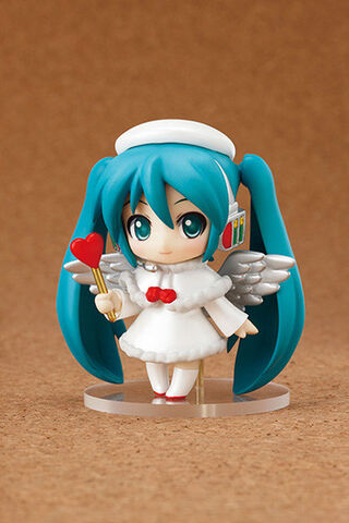 File:Hatsune Miku Nendoroid Petit - Christmas Piano Cake.jpg