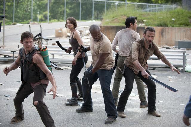 File:Walking-Dead-Prison-1.jpg
