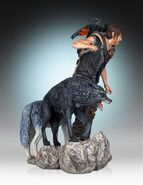 Daryl and the Wolves (Regular Release) Statue 4
