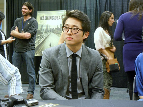 File:Yeun Glasses.jpg