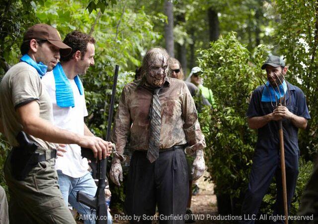 File:The Walking Dead Being Filmed, 14.jpg
