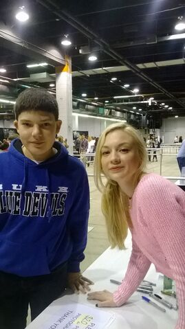 File:DominicT22 and Emily Kinney.jpeg