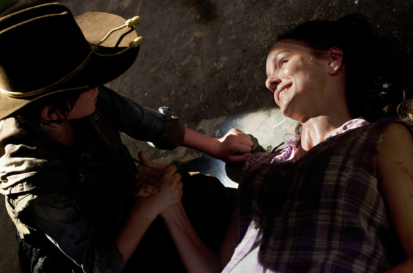 File:Carl and Lori 3x04.jpg