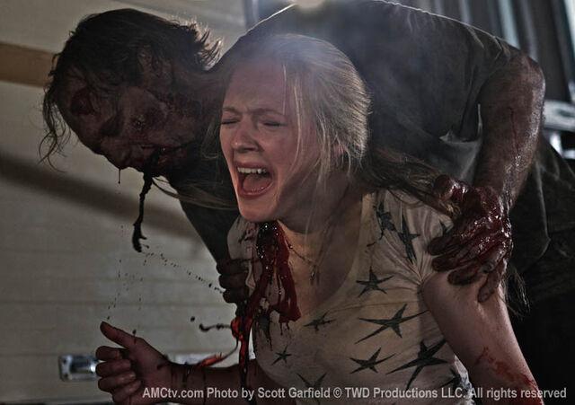 File:Amy killed.jpg