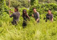 The-walking-dead-episode-709-rick-lincoln-michonne-gurira-935