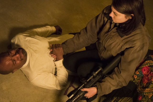 File:AMC 516 Maggie Consoling Gabriel.png