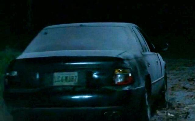 File:2004 Cadillac Seville.jpg