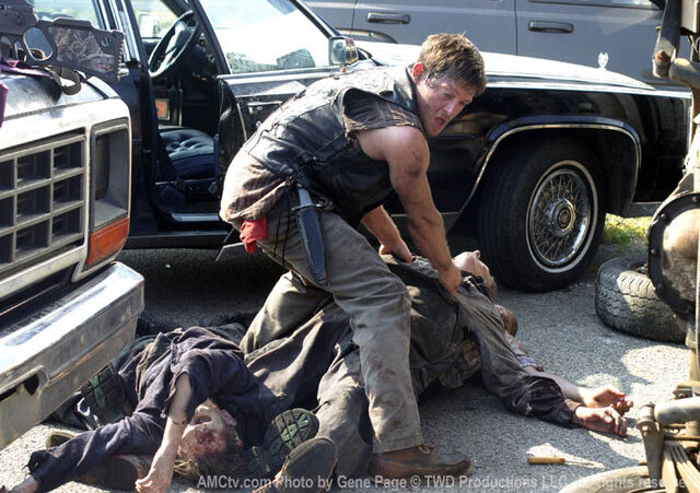 File:Episode-1-daryl-highway.jpg