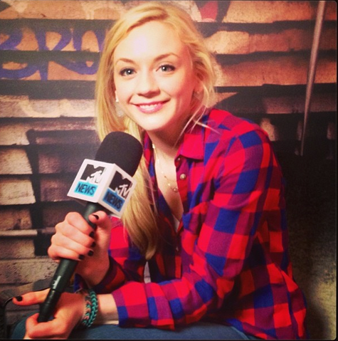 File:Emily in MTV so beautiful with red plaid shirt as always.png