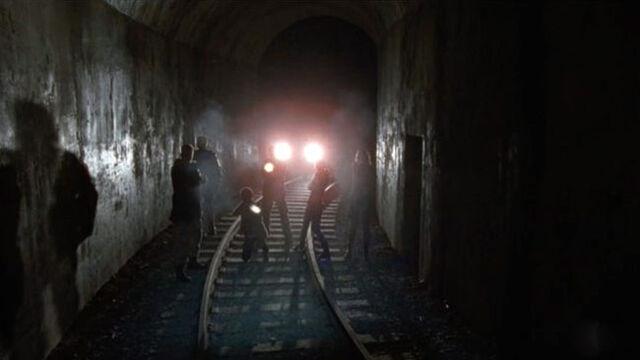 File:Tunnel 4x15.jpg