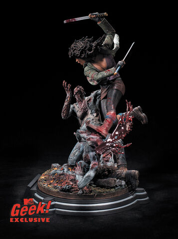 File:Michonne Statue 3.jpg