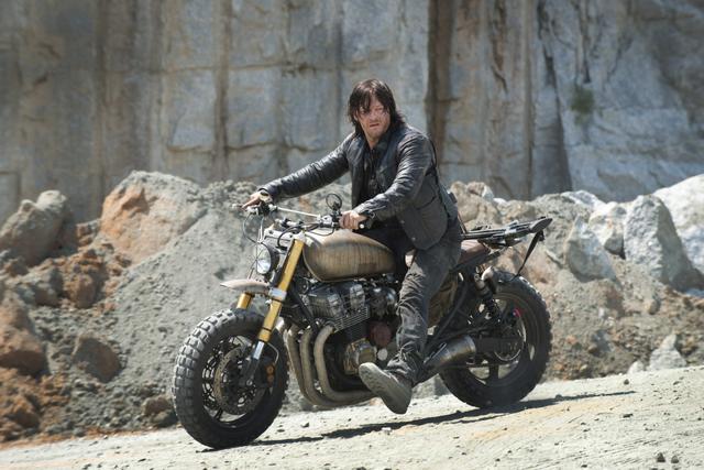 File:AMC 601 Daryl Motorbike.png