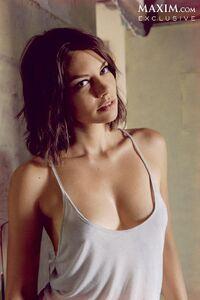 Lauren Cohan sexy maxim 4