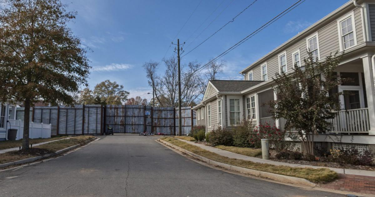 Image - The-walking-dead-the-wd-alexandria-safe-zone.jpg ...