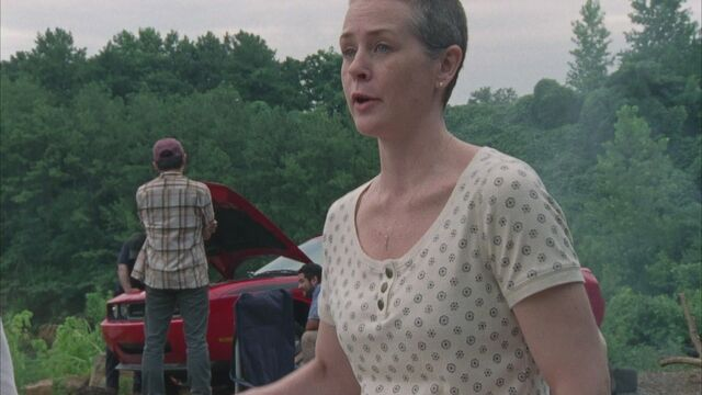 File:Carol-Screencap-1x03-Tell-it-to-the-Frogs-the-walking-dead-carol-peletier-36011627-1920-1080.jpg