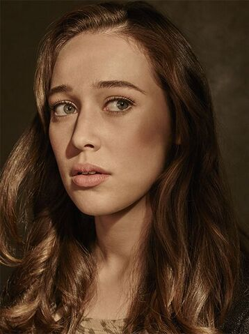 File:Fear-the-walking-dead-season-1-alicia-debnam-carey-cast-portrait-658.jpg