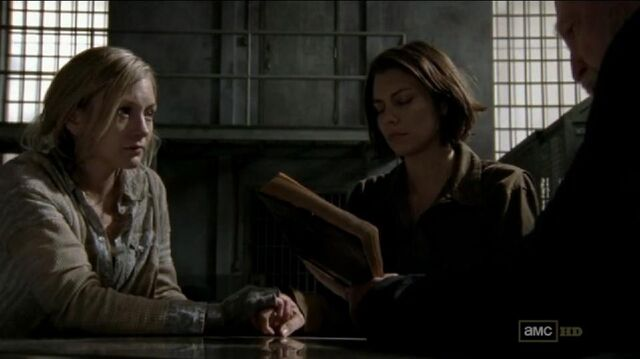 File:Beth Maggie and Hershel Praying.JPG