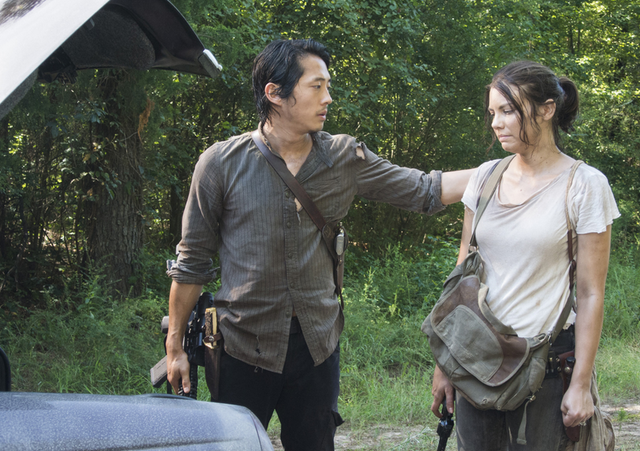 File:5x10 Maggie and Glenn.png