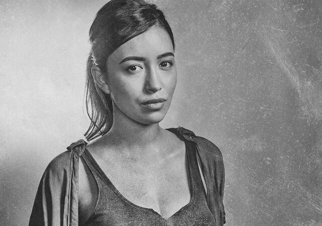 File:The-walking-dead-season-6-cast-silver-rosita-serratos-935.jpg