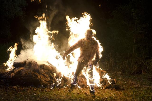 File:AMC 604 Burning Walkers.png