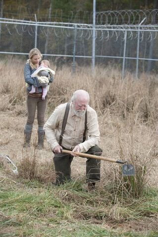 File:Walking-Dead-S4-Finale-034.jpg