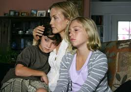 File:Webisodes jamie and family.jpeg