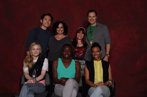 File:Emily with Steven David Danai Sonequa with two girls i don't know.jpg