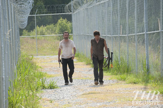 File:Ep 4 Rick and Daryl Patrol.jpg