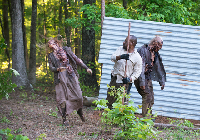 File:AMC 601 Morgan Kills Walkers.png