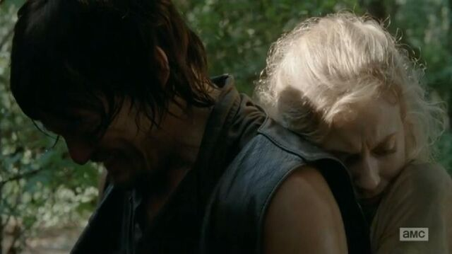 File:Beth hugging Daryl from behind so cute.JPG