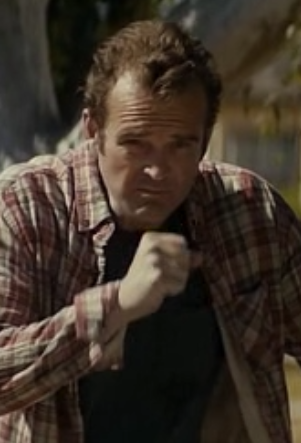 File:Peter Dawson 1x02.png
