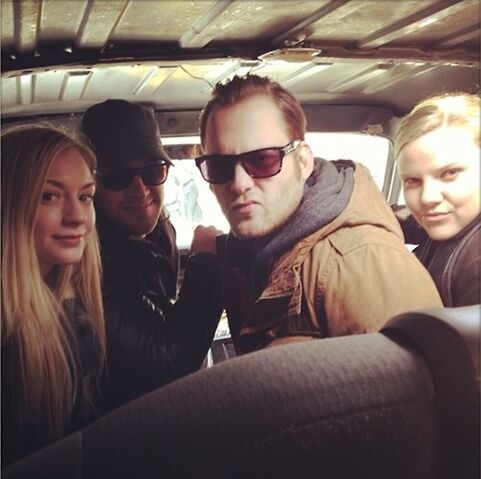 File:Emily Kinney with casts of the following in a car.jpg