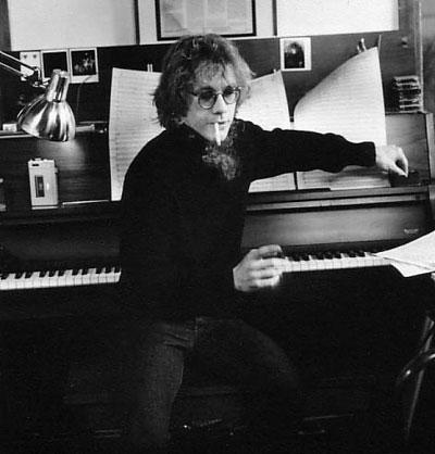 File:Warren-zevon-piano.png