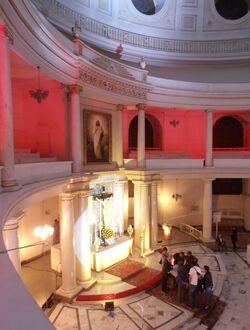 Kościół św. Trójcy (wnętrze).JPG