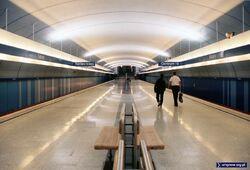 1995 10 MetroKabaty-Stacja1.jpg