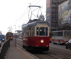 Aleje Jerozolimskie (tramwaj 30, model K).JPG