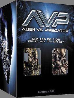 Alien vs. Predator Limited Collector's Set