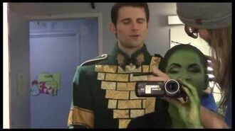 "Fly Girl Backstage at ""Wicked"" with Lindsay Mendez, Episode 11 Surprise Holiday Special!-3"