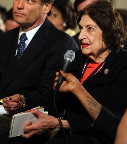 File:Helen Thomas Retires.jpg