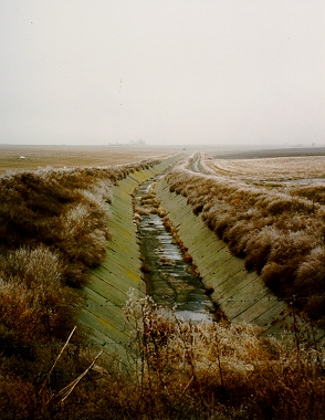 File:IrrigationCanal.jpg
